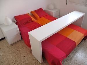 Mesa auxiliar para cama con ruedas muebles camas mesa - Mesa auxiliar de cama ...
