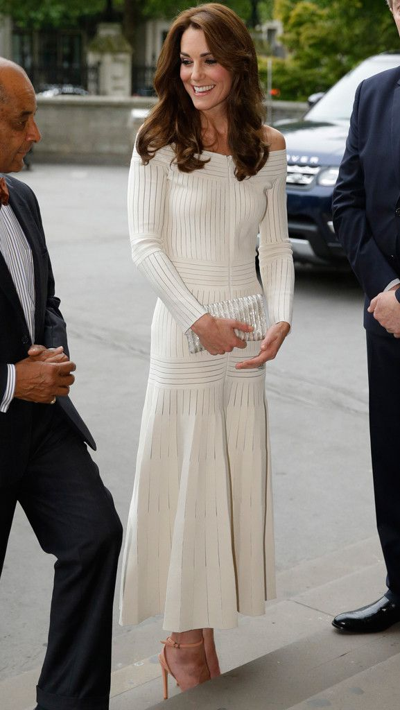 Kate Middleton goes sexy in an off-shoulder dress at awards event in London