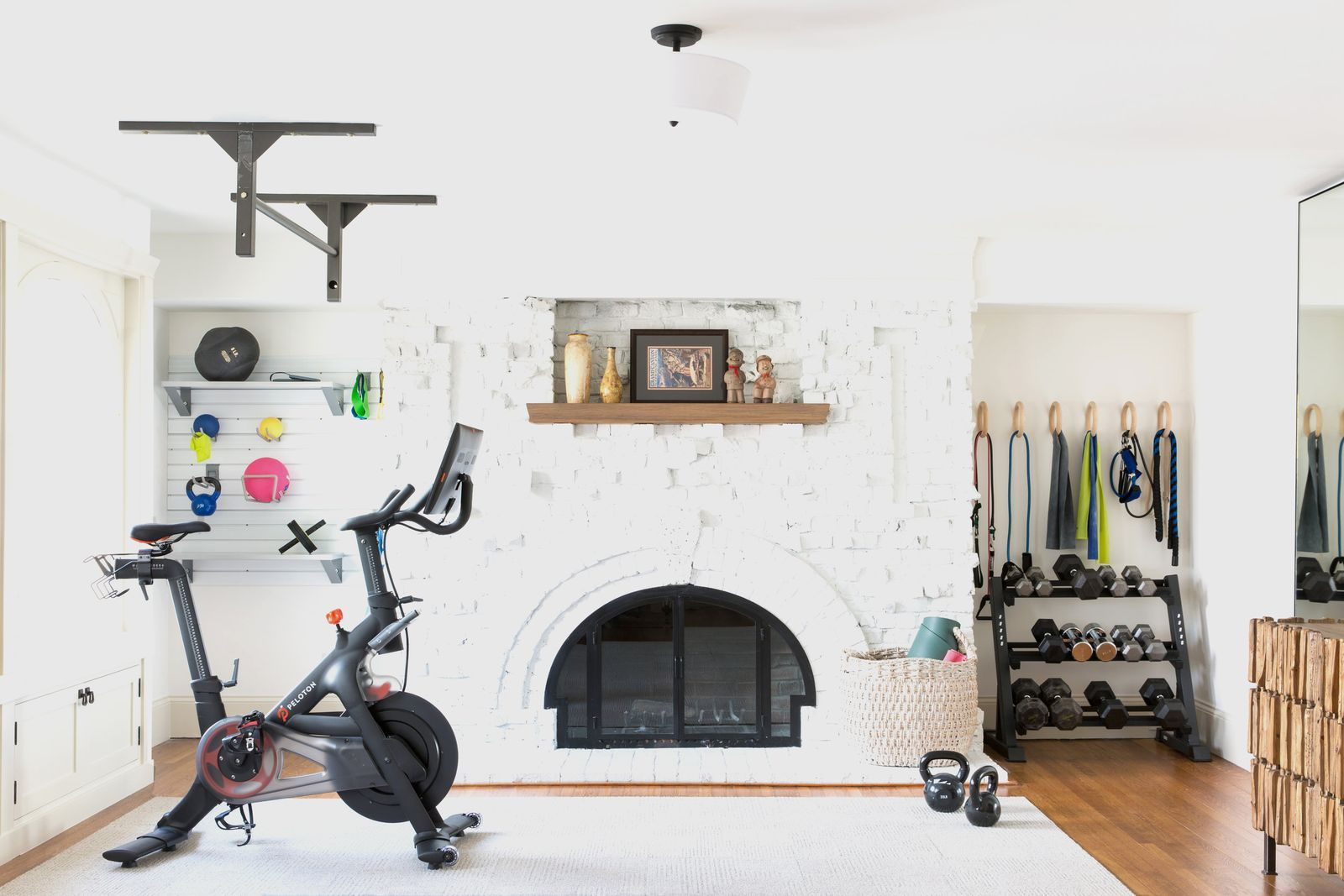 15 Home Gym Ideas That Will Actually Make You Want To Work Out In 2020 Home Gym Decor Gym Decor Home Gym Set