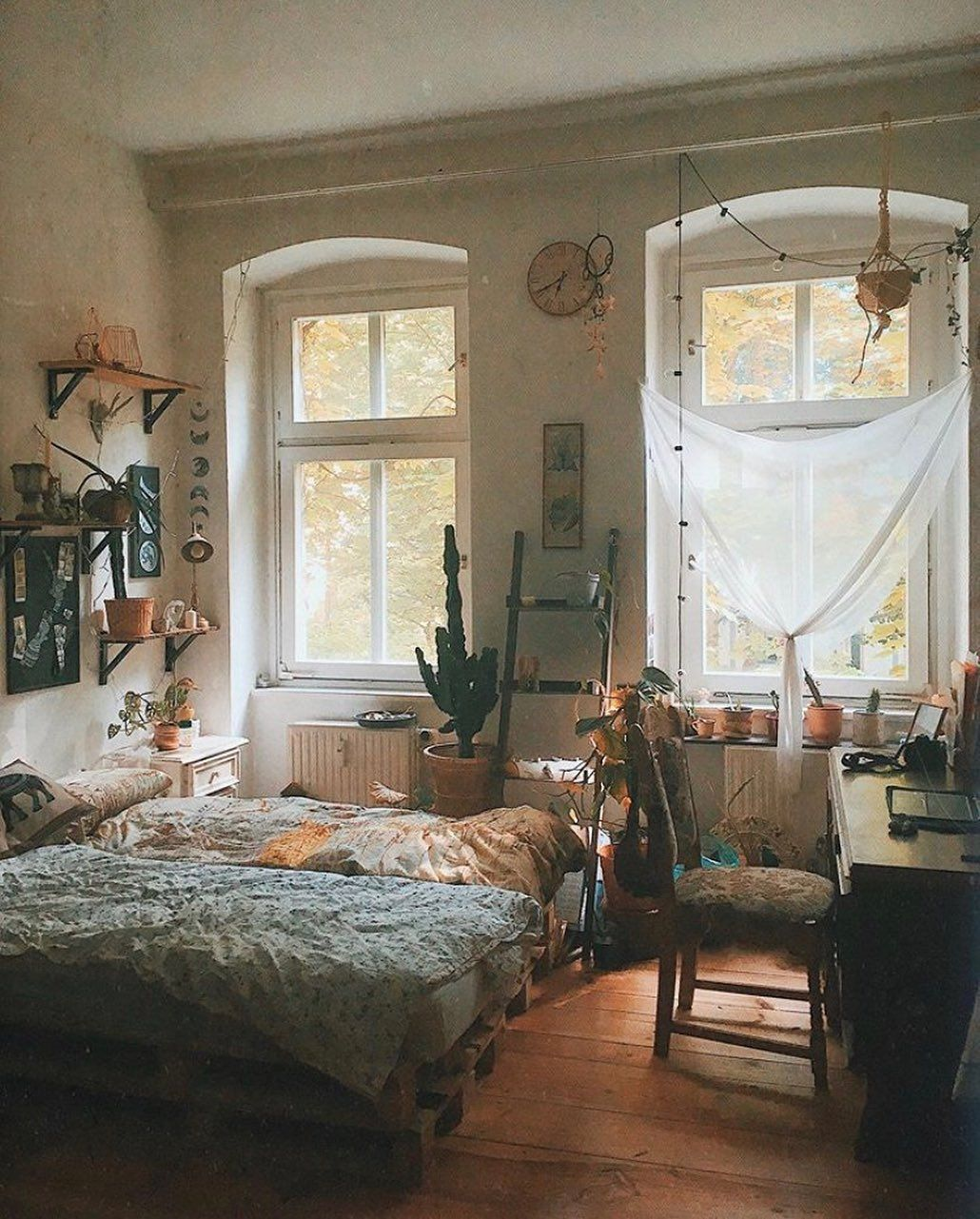 Check Out This Beautiful Boho Escape A Room Should Never Allow The Eye To Settle In One Place It Should Smile At You And C Room Ideas Bedroom Home New Room