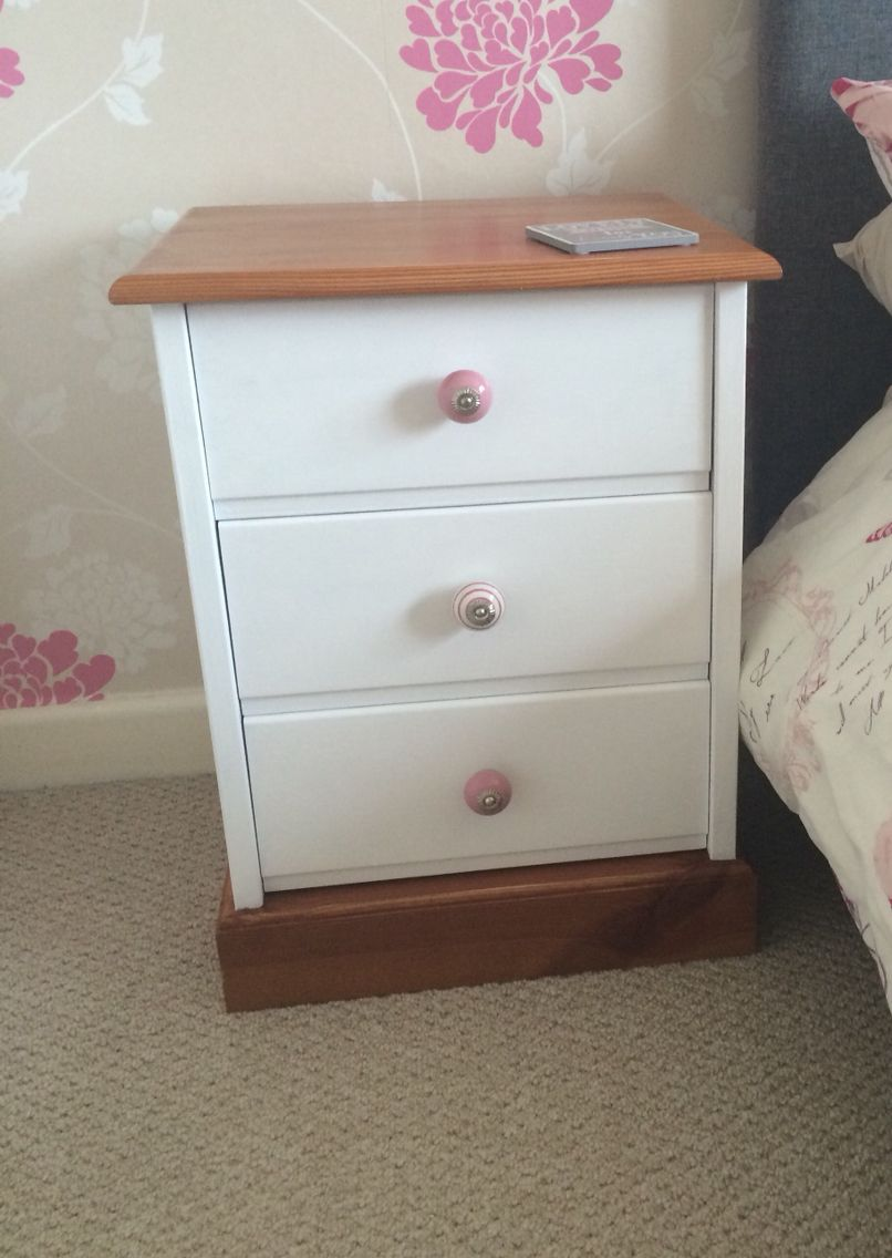 Pair Of Ducal Pine Bedside Tables Hand Painted Country White Shabby Chic Painted Bedroom Furniture Pine Bedside Table Pine Bedside