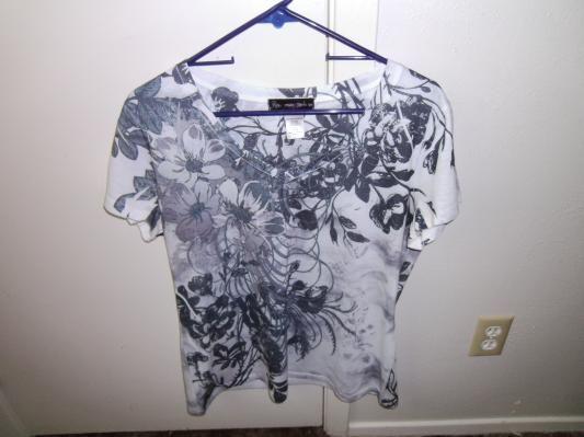 Shirt. size large