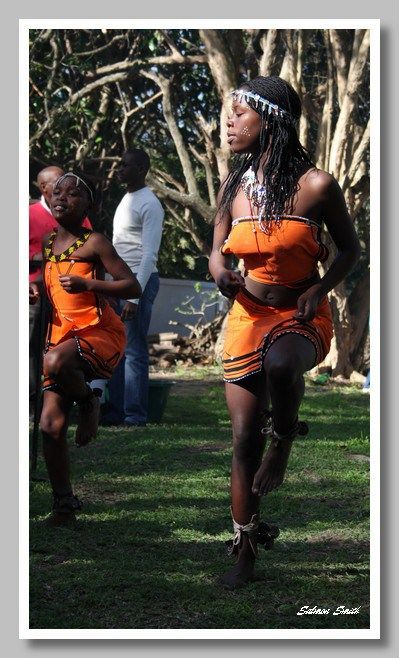 Xhosa Girl Dancing African Hairstyles Pinterest Xhosa Dancing