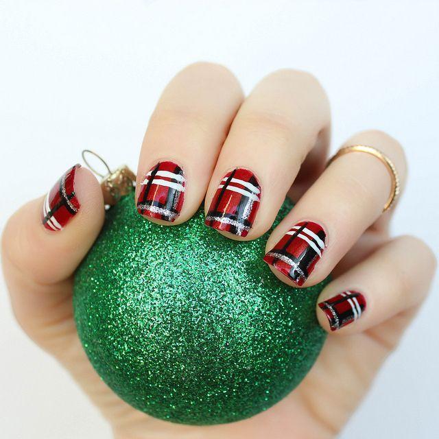 Plaid Christmas Nails | Holiday Manicure | Nails | Pinterest ...
