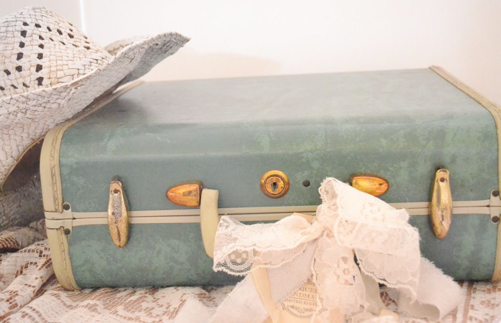September 7th and 8th, 2012 Rustic Romance  , Vintage Suitcase