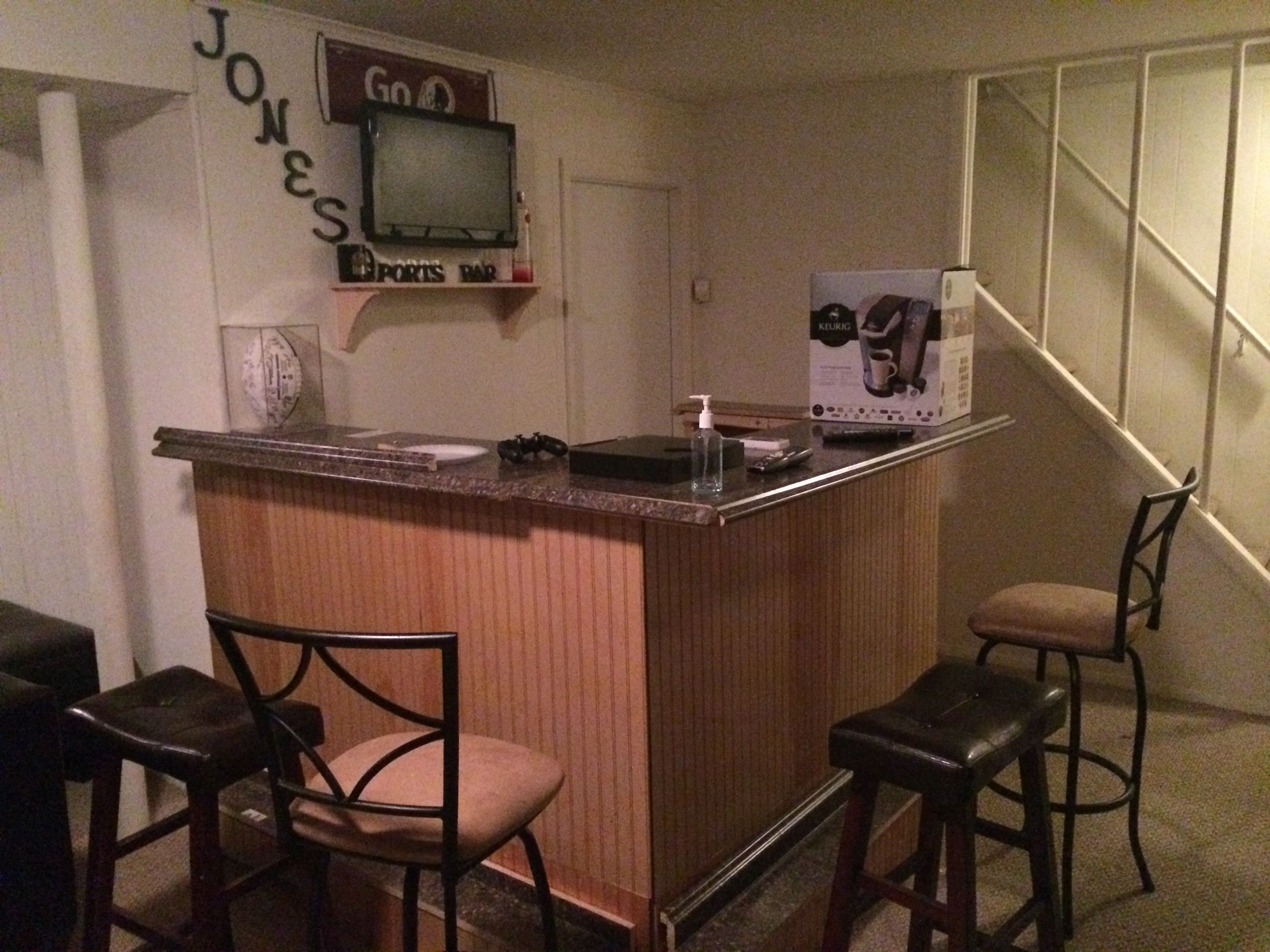 How To Build Your Own Home Bar | Pinterest | Dwayne jones, Bar and ...