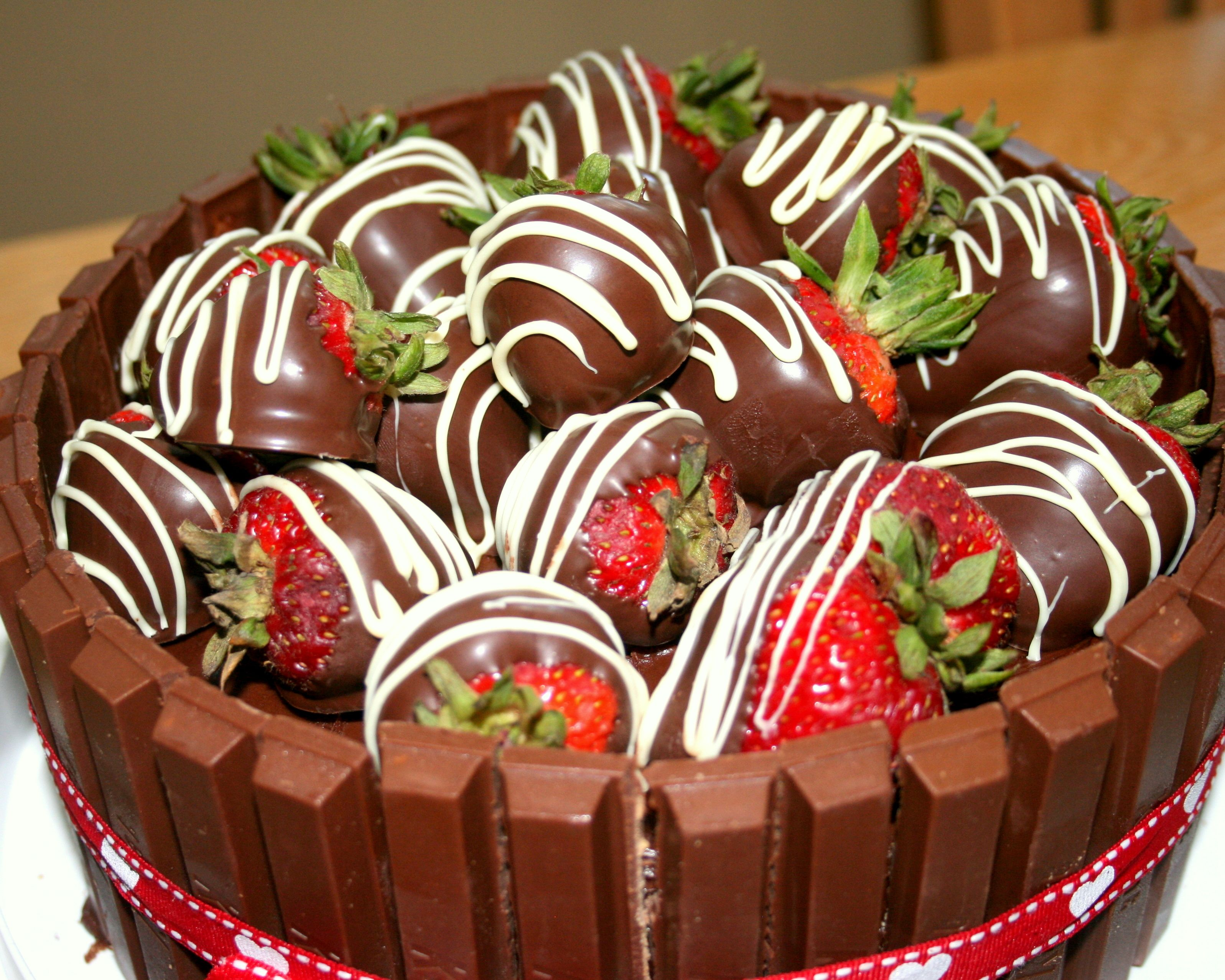 candy strawberry cakes chocolate covered strawberries chocolate cakes ...