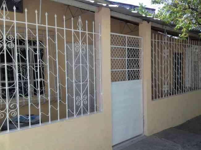 VENDO CASA RENTERA DE 4 DEPARTAMENTOS Casas