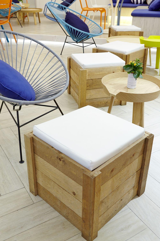 Lounge Estrella Damm Para Rodilla Puerta Del Sol By Teresa Sapey