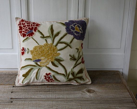 Another gorgeous vintage pillow from Shavingkitsuppplies