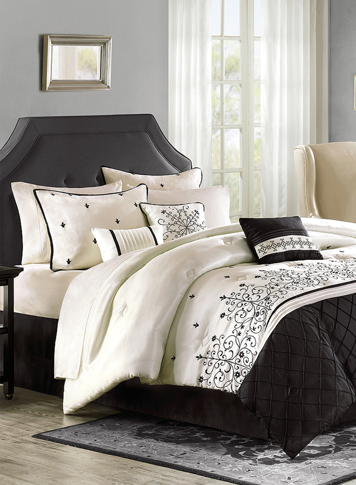 Winter Whites For A Crisp Style In Your Bedroom This Christmas Choose 100 Pure White Cotton To Complement Your B White Duvet Covers King Duvet Cover