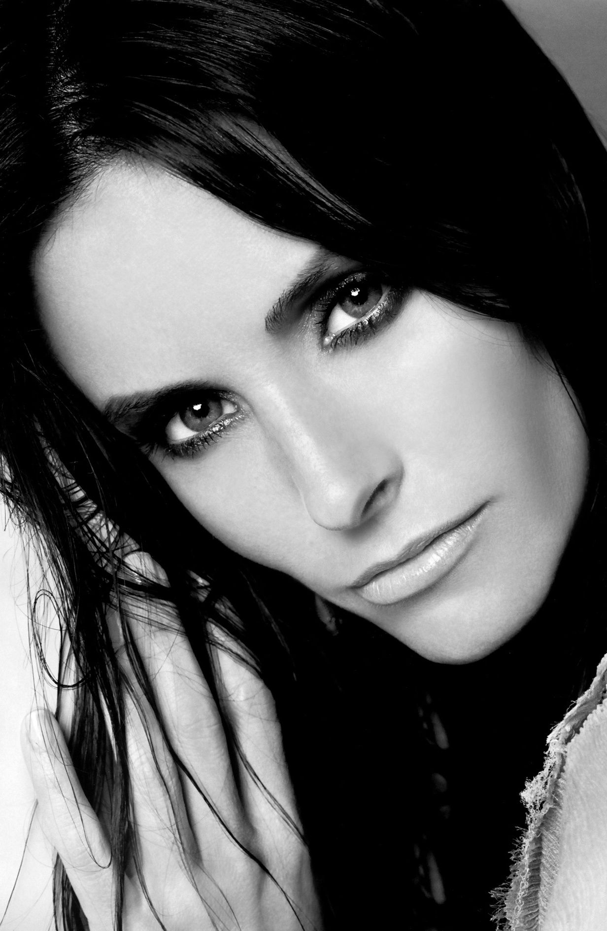 Courtney cox woman face portraits portrait ideas all black black and