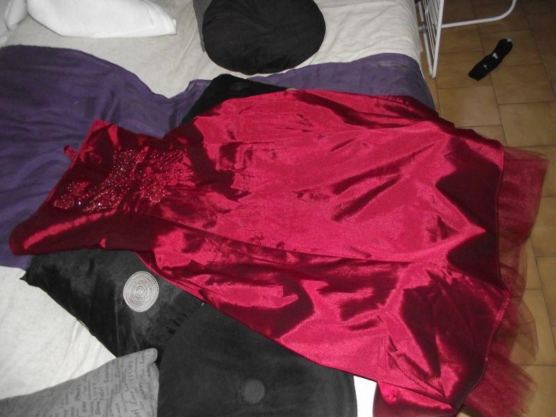 Location robe de soiree strass
