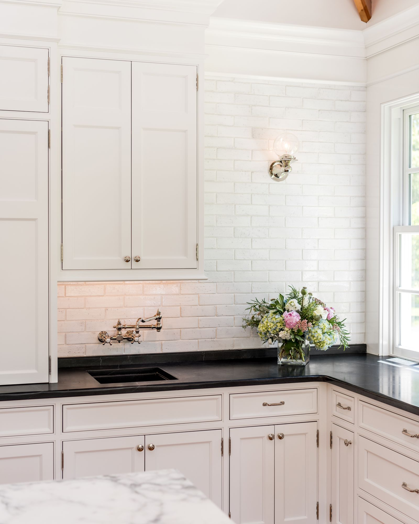 Period Kitchens Designs Renovation: 50 White Kitchen Cabinets To Brighten Up Your Cooking