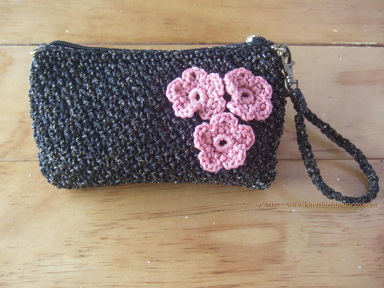Metallic Evening Purse with Detachable Strap Free Pattern! Follow me at https://www.facebook.com/knotthistimemom