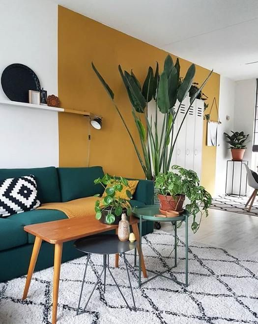 16 Decorating Solutions For A Big Blank Wall Yellow Living Room Apartment Decor Living Room Wall