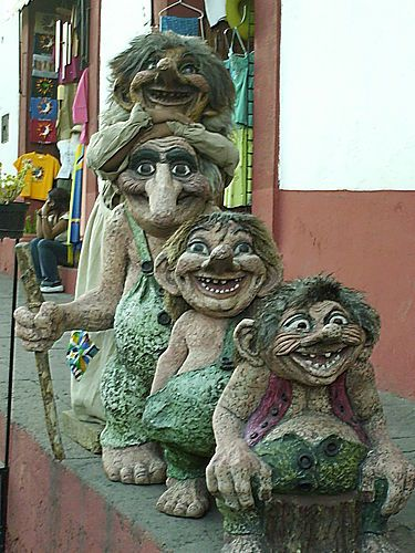 Love This Troll Statue. I Want This In My Garden!