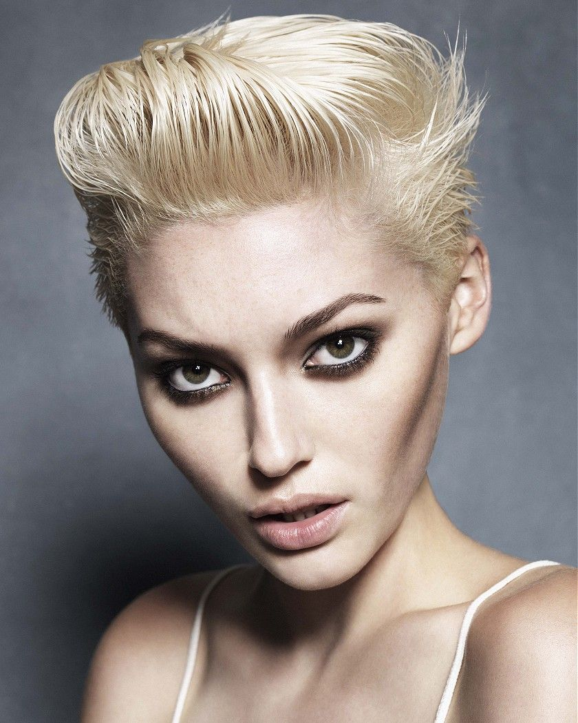 Large Image Of Short Blonde Straight Hairstyles Provided By Karine