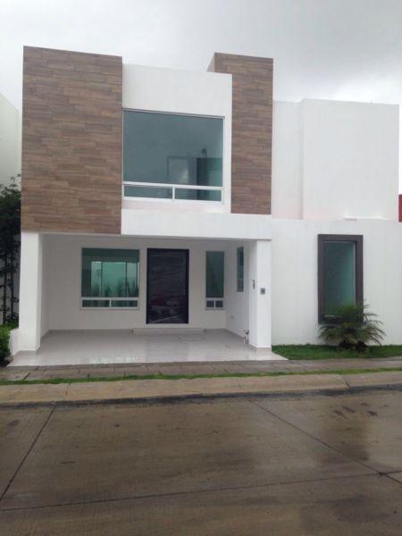 Preciosa casa nueva en venta ubicada en parque yucat n for Ventanales de aluminio zona sur