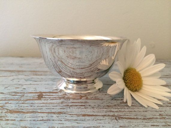Vintage Reed And Barton Paul Revere Design Silver Plate Sugar Bowl