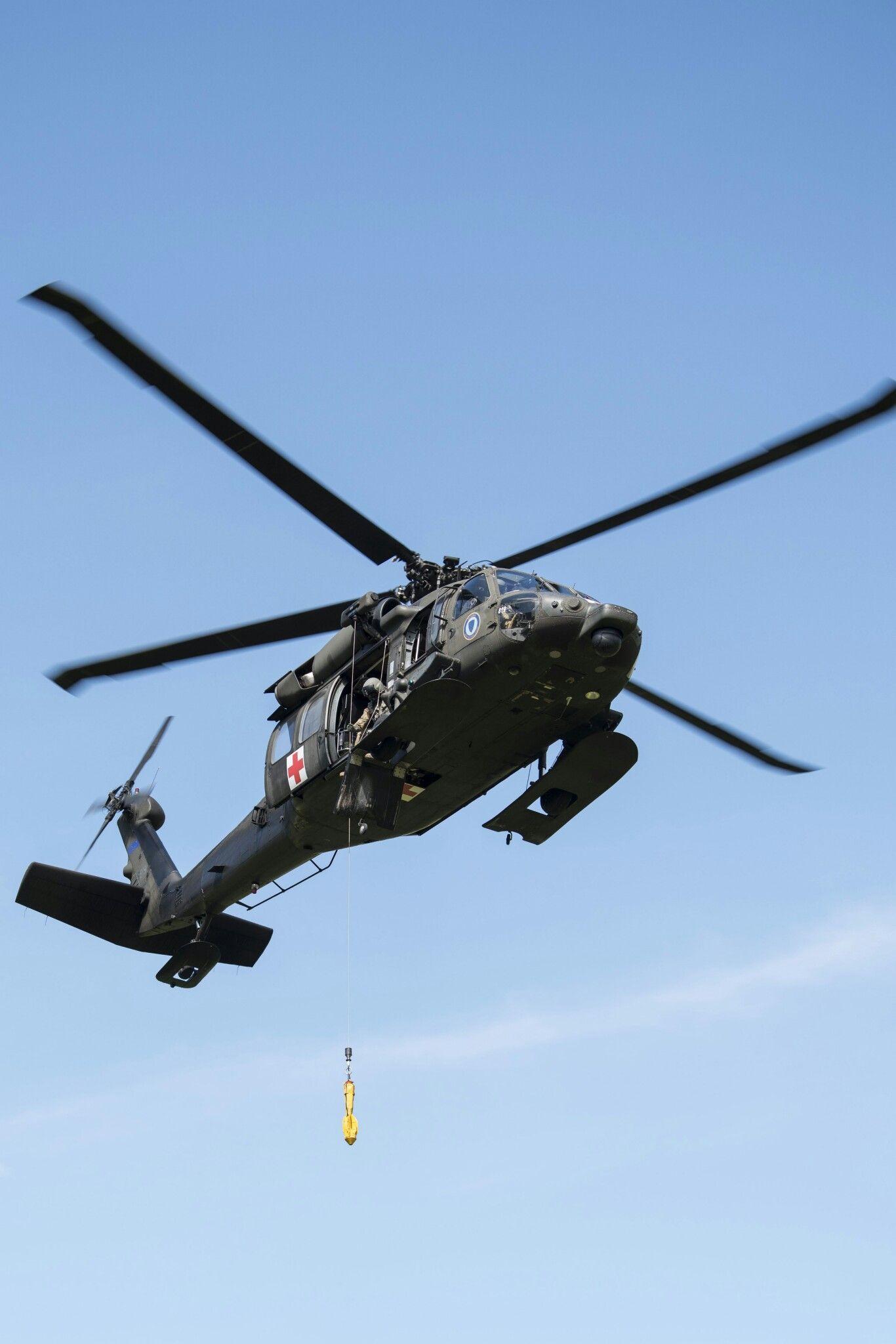 Pin on Helicópteros Militares