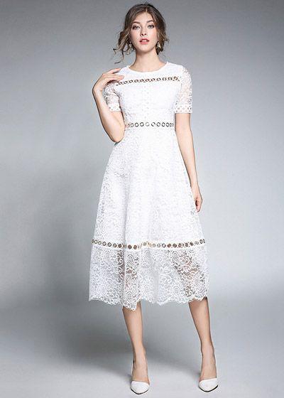 Vestido Midi Evasê Renda Branco Mangas Curtas Cintura Alta