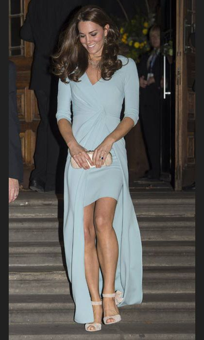 bdee87554154 All eyes were on the Duchess of Cambridge, née Kate Middleton, as she  stepped out in a pastel blue bespoke Jenny Packham full-length gown on  Tuesday night.