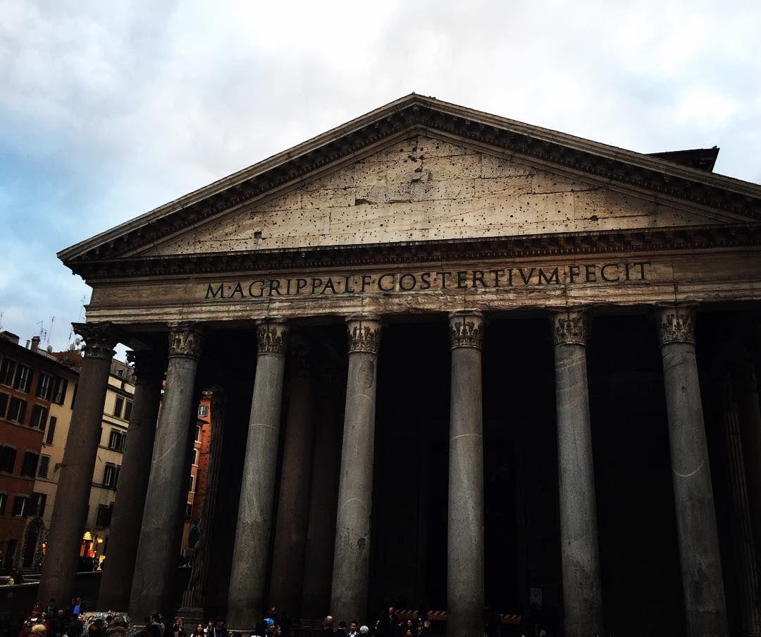萬聖殿拉斐爾的棺墓安息地 非常熊偉的建築好想在見您 好適合聖鬥士拍照  #roma #Italy by ashasuqq