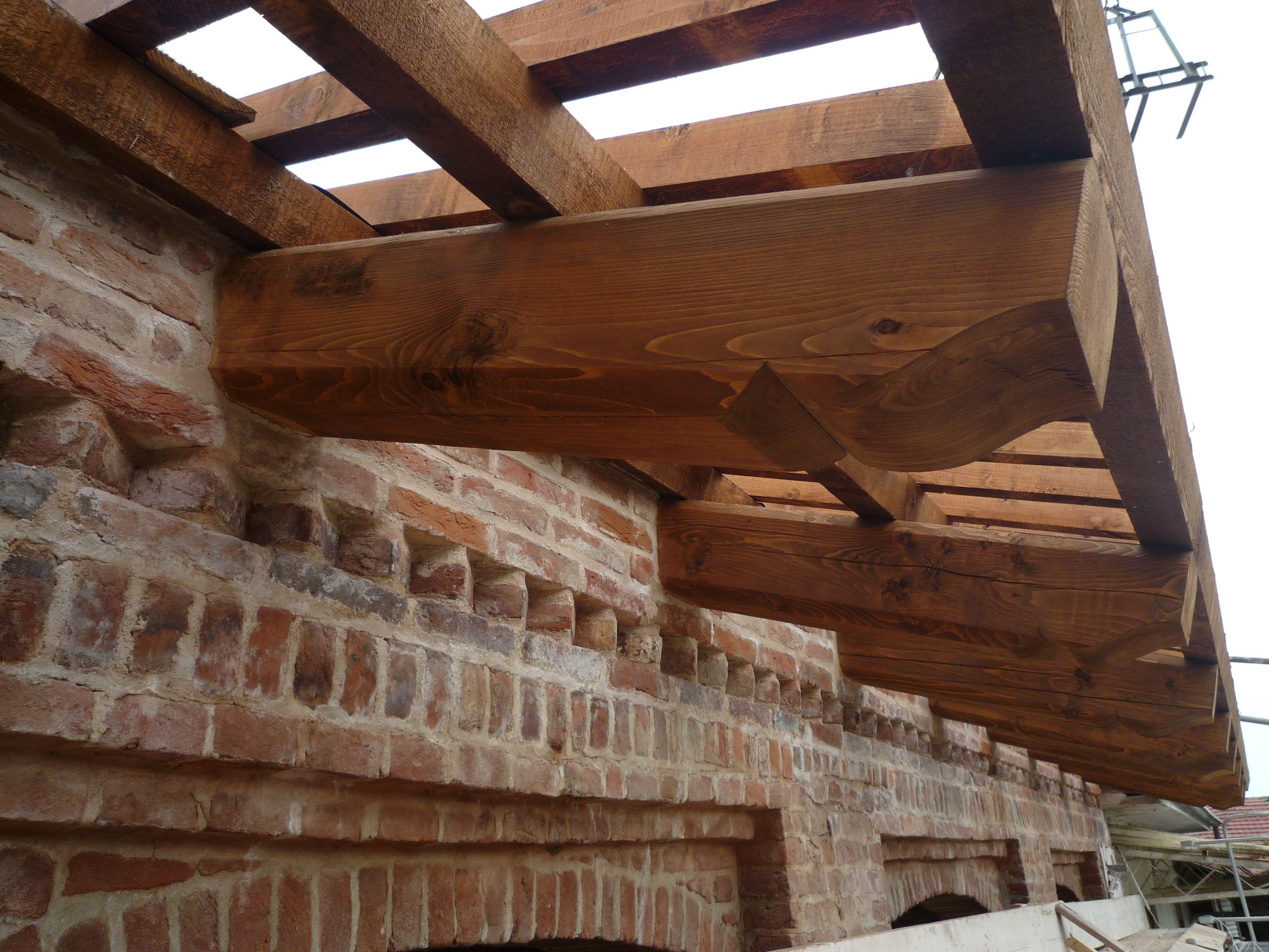 Passafuori in legno mattoni a vista pinterest tetti - Sognare scale mobili ...