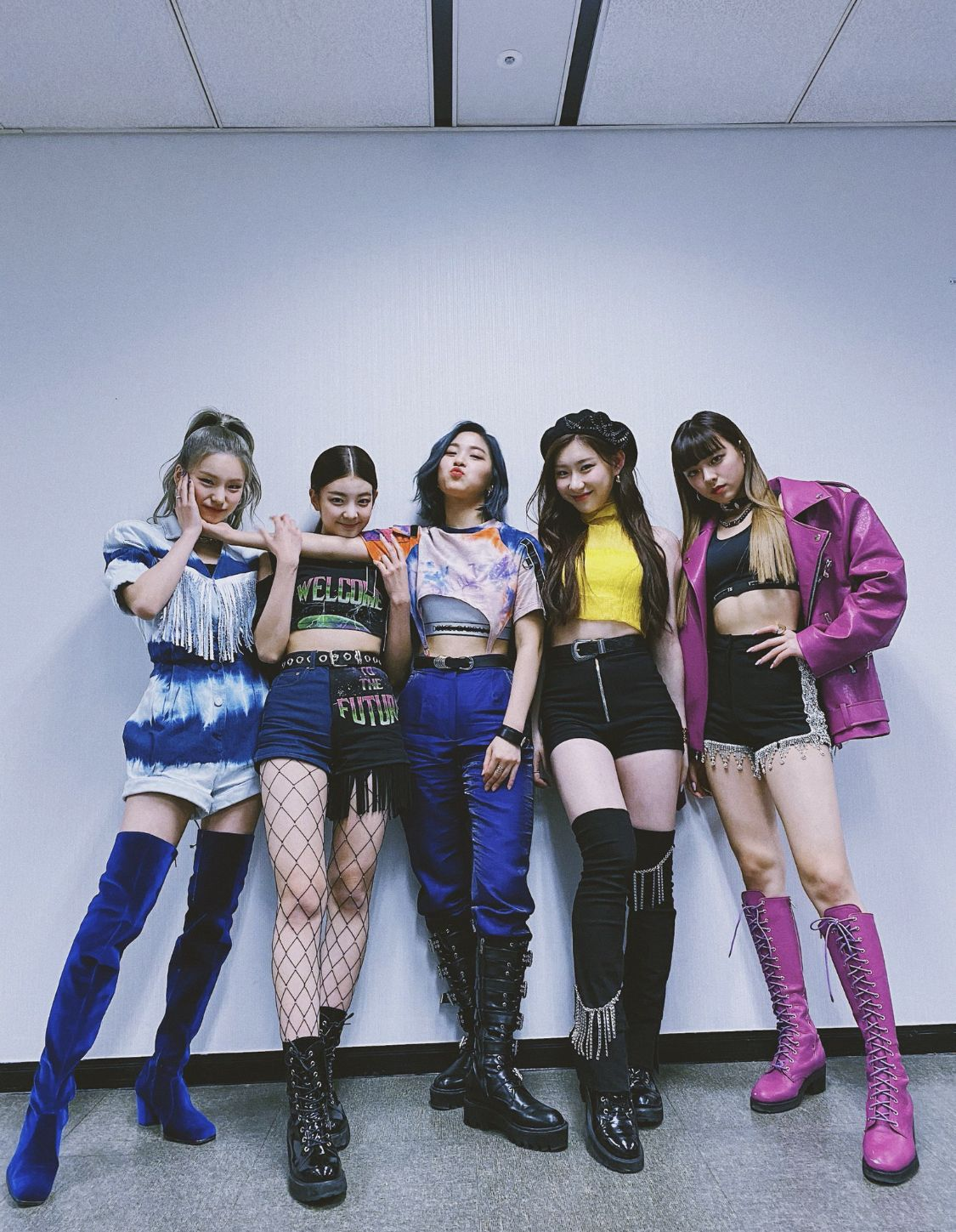Pin by uwulex ♡ on itzy in 2020 (With images) Itzy