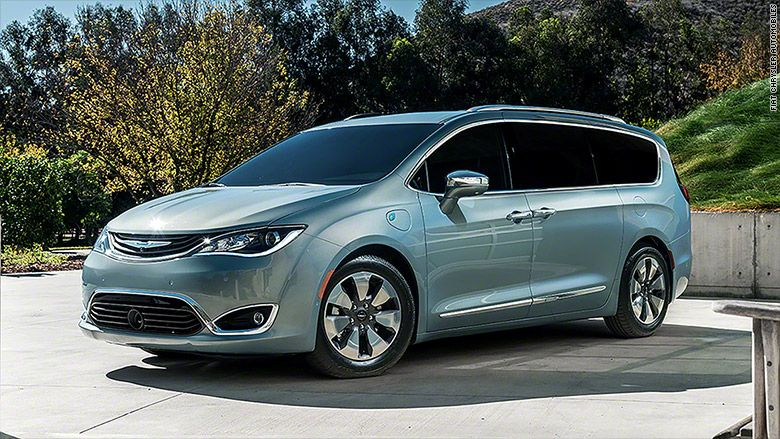 2017 Chrysler Town And Country >> Chrysler S New Minivan Of The Future Rv S Campers Vans