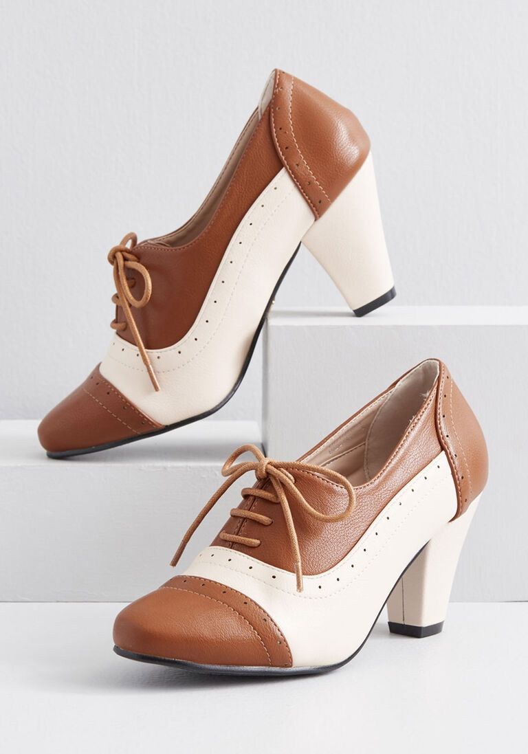 What Did Women Wear In The 1930s 1930s Fashion Guide Vintage Style Shoes Oxford Heels Vintage Inspired Shoes