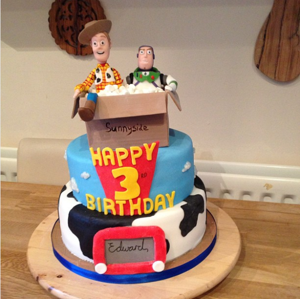 15 Pixar Cakes Made By The Worlds Most Creative Bakers Toy story