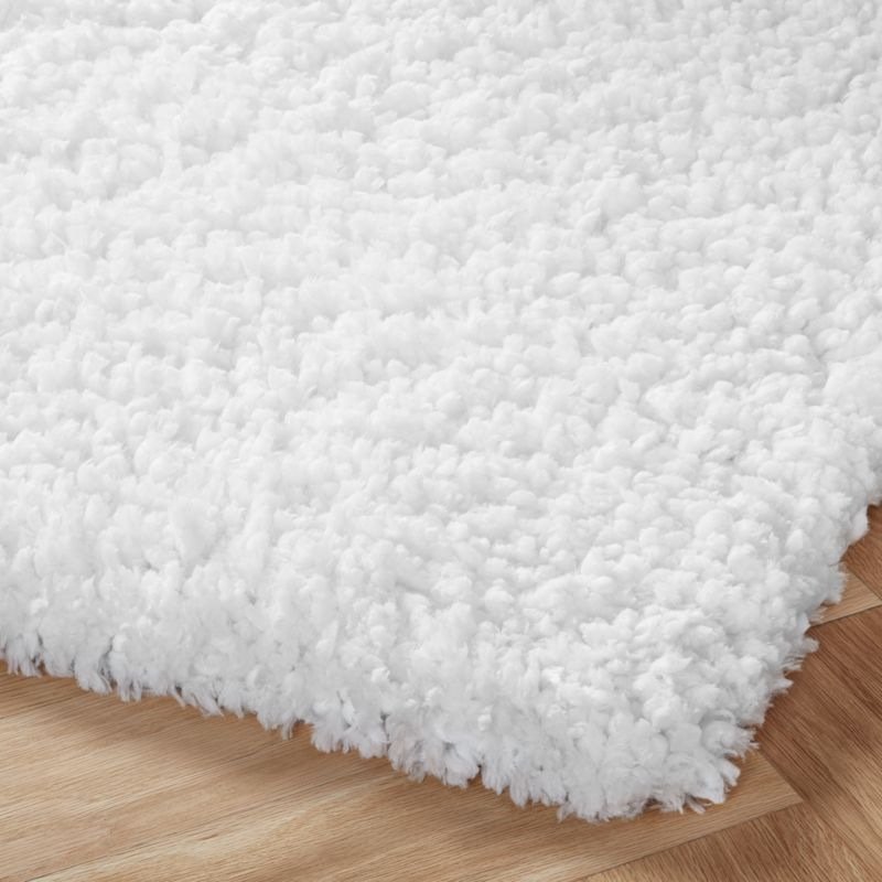 Astoria White Rug 5 X8 In 2020 White Rug White Shag Rug White Fluffy Rug
