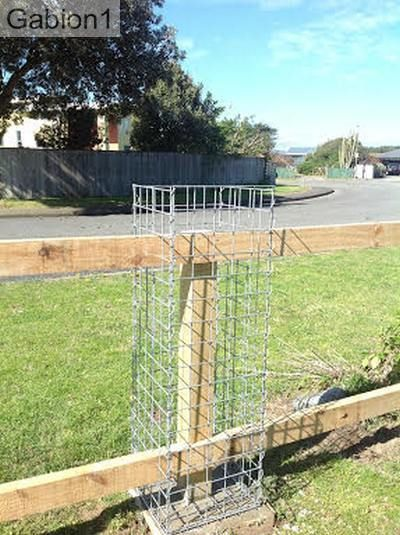 gabion post detail before placing rocks, http://www.gabion1.com ...