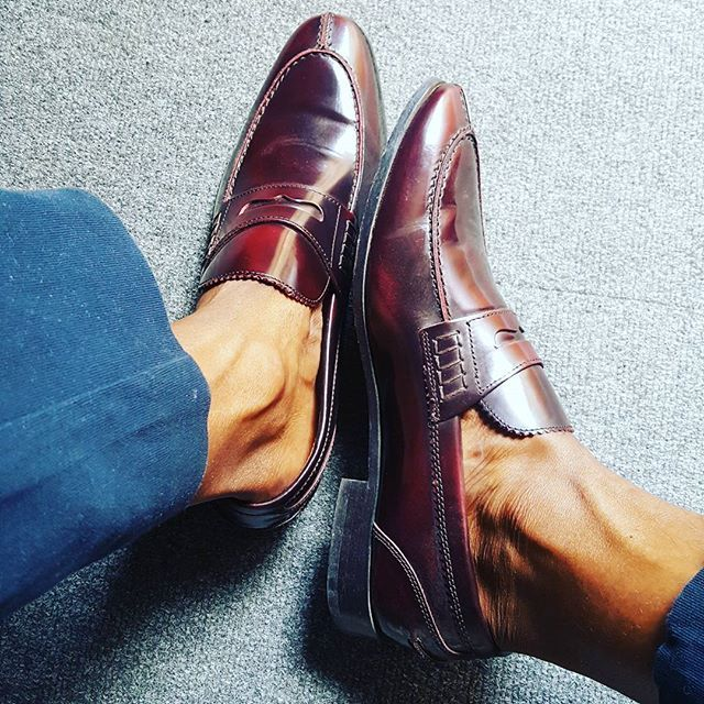 cbb156701ef No. 781 - Modern and elegant dark brown penny loafers.
