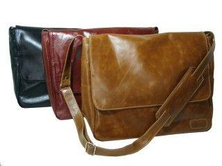 8e27d87837 Bolsa-carteiro de couro modelo Renné