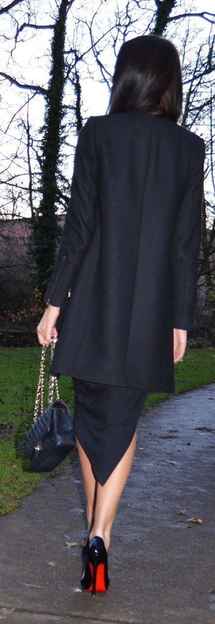 Pointed Hem Skirt Streetstyle by Laura Badura Fashion