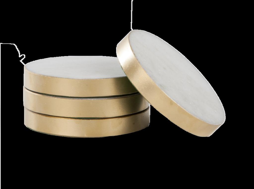 Svensk Marmor ~ Glasunderlägg vit marmor med guldkant 4-pack - SovrumsShoppen.se