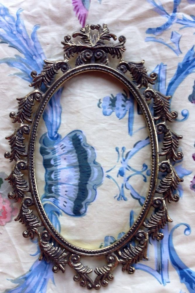 Beautiful Ornate Vintage Metal Photo Frame Oval in Collectibles ...