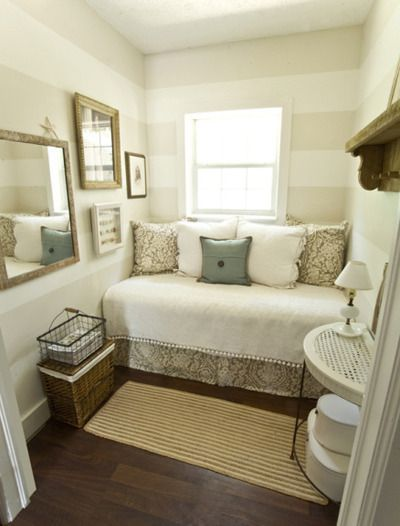 Perfect Use Of Small E With A Cozy Daybed