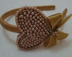 tiara-coracao-dourado-strass
