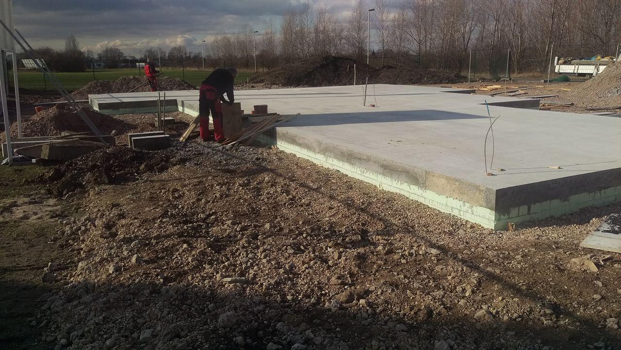 Schalung Der Bodenplatte Wird Entfernt Okalhausinleipzig