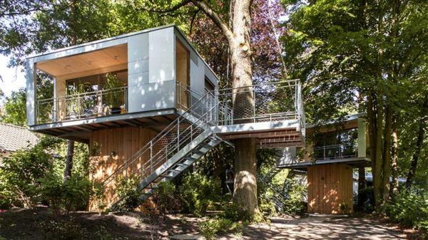 massiv holz baumhaus berlin baumhaushotel fassade | baumhäuser, Hause und garten