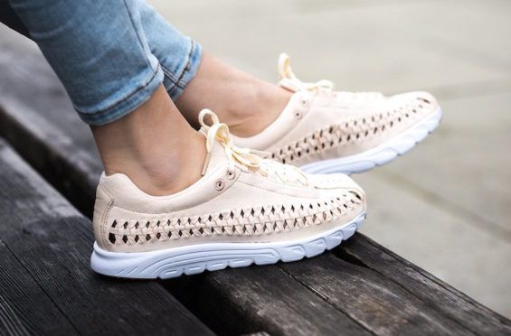 online store 936c0 bbd6d An On-Feet Look At The Upcoming Nike Mayfly Woven Pastel Pack