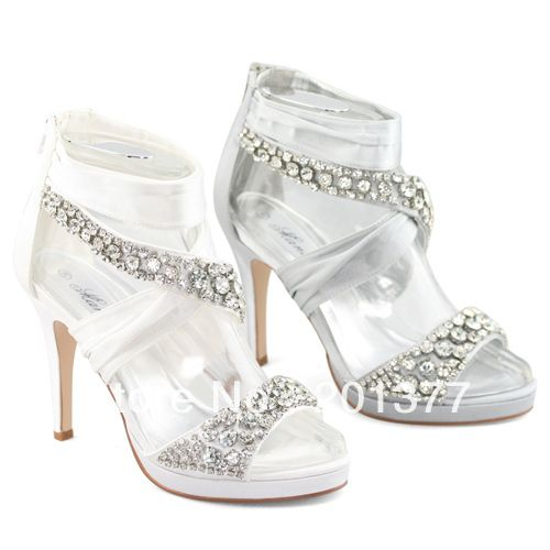 1000  images about SILVER SHOES on Pinterest | Woman shoes, Pump ...