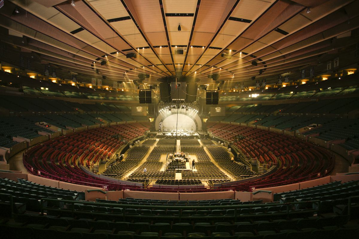 Madison Square Garden, The World\'s Most Famous Arena can hold up to ...