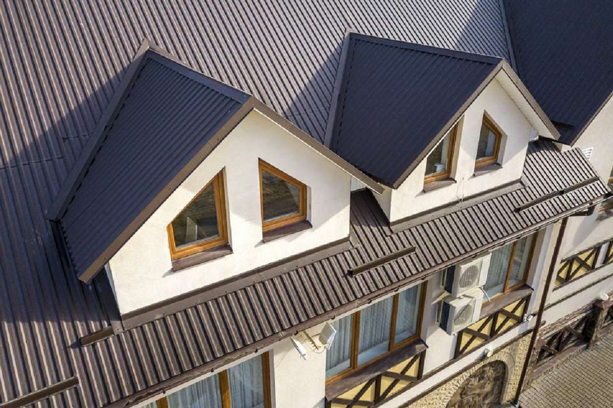 Metal Roofing Ideas For A Durable And Modern Look In 2020 House Roof House Roof Design Metal Roof