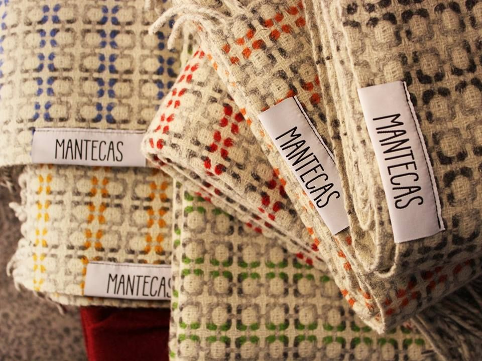 "As novas Mantecas Vintage, já disponíveis na Loja da Burel. / The new ""Vintage"" blankets are already available at Loja da Burel. | Vintage, Cores, Locais"