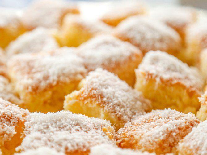Saftiger Kokoskuchen mit Apfelmus | freundin.de #apfelmuffinsrezepte